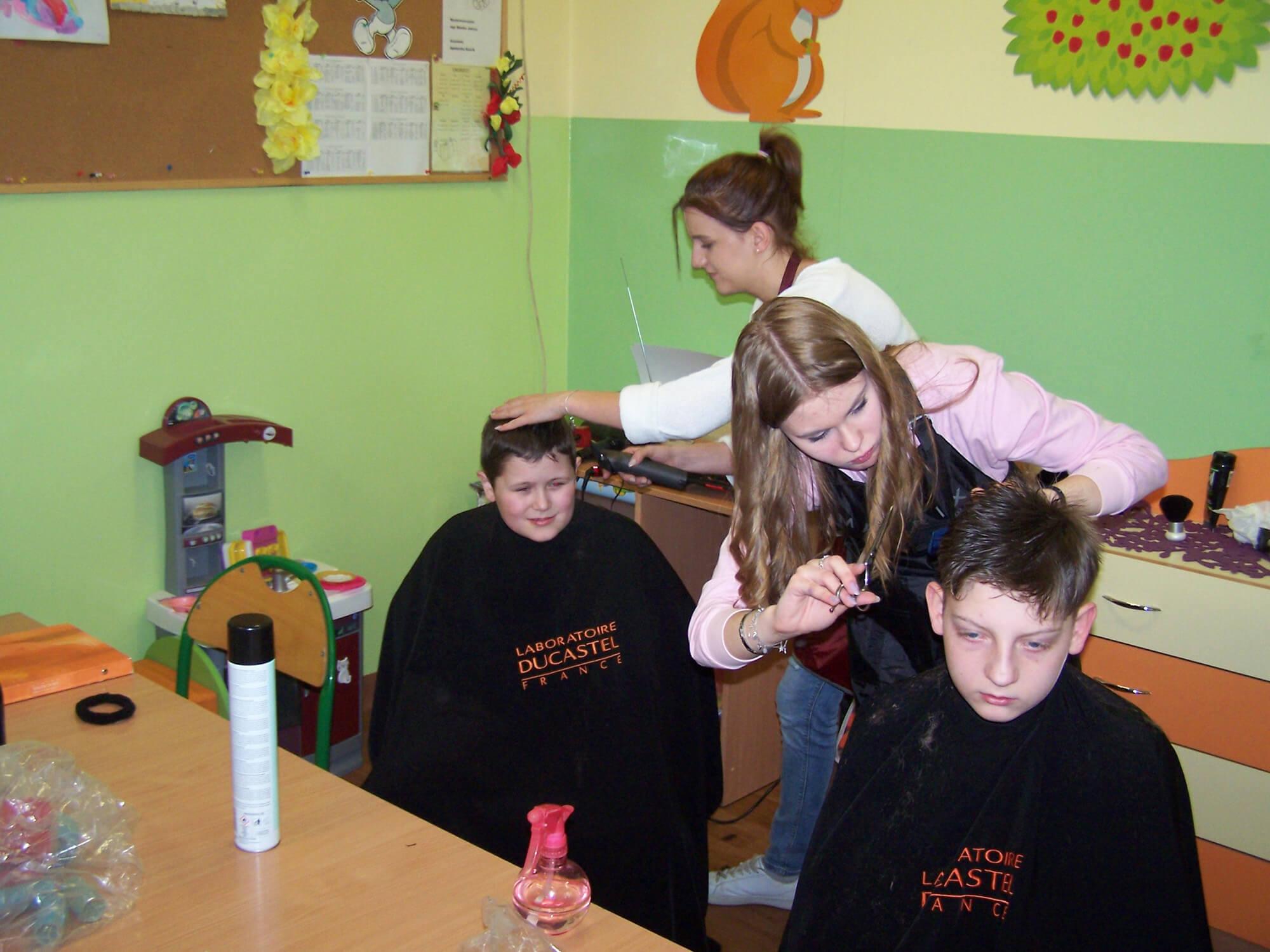 Szkoła Podstawowa Nr 17 W Bielsku Białej Spotkanie Z Fryzjerkami